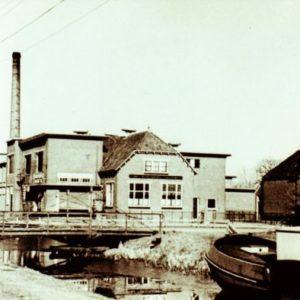 Luchtfoto zuivelfabriek te Waskemeer
