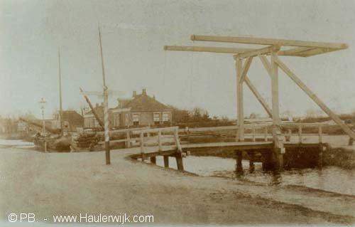 houten brug postkantoor Haulerwijk