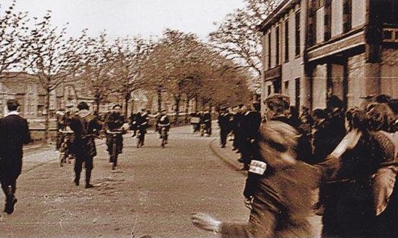 Aankomst Franse Para's in Oosterwolde