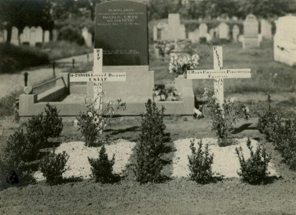 James Bell Dickson *19-01-1923 †8-4-1944 en Henry Roger Jean-Louis Pintaud *30-11-1923 †8-4-1945.